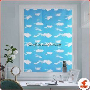 Đây là hình ảnh mẫu giấy dán kính trang trí mã A30, được thiết kế dựa trên hình ảnh gần gũi quen thuộc thực tế của bầu trời trong xanh, với những đám mây trắng, tạo cho con người cảm giác bình yên, tràn đầy sức sống