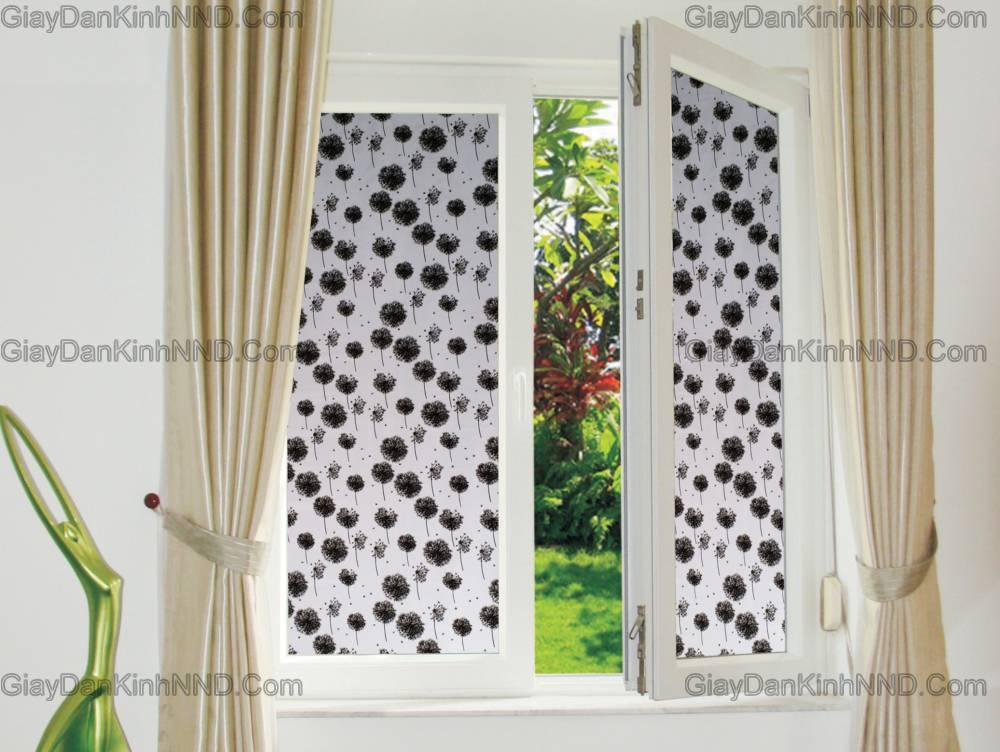 Giấy dán kính trang trí cửa sổ phòng ngủ