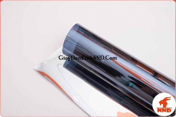 DBS6 có đặc điểm keo phủ mặt màu nên khi dán mặt ngoài nhìn vào sẽ thấy màu rất đẹp