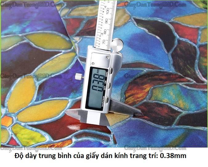 Độ dày trung bình của giấy decal dán kính trang trí là 0.38mm