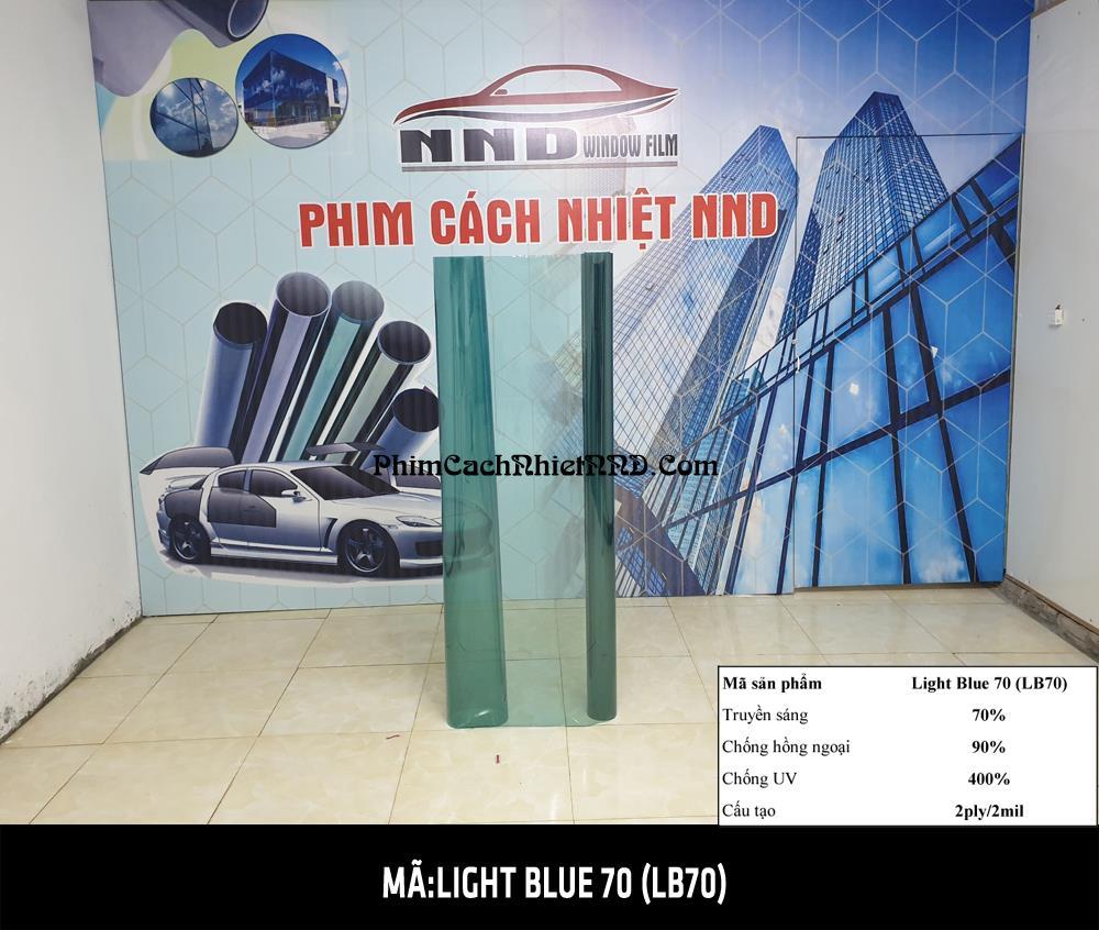 LB70 là kiểu mẫu phim dán kính cách nhiệt màu ánh xanh nhẹ trong suốt 2 chiều chuyên dán kính lái xe hơi và kính tòa nhà. là mã phim cách nhiệt màu trong được ưa chuộng nhất năm 2020