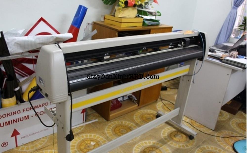 Dịch vụ cắt chữ decal chuyên nghiệp giá rẻ nhất Hà Nội