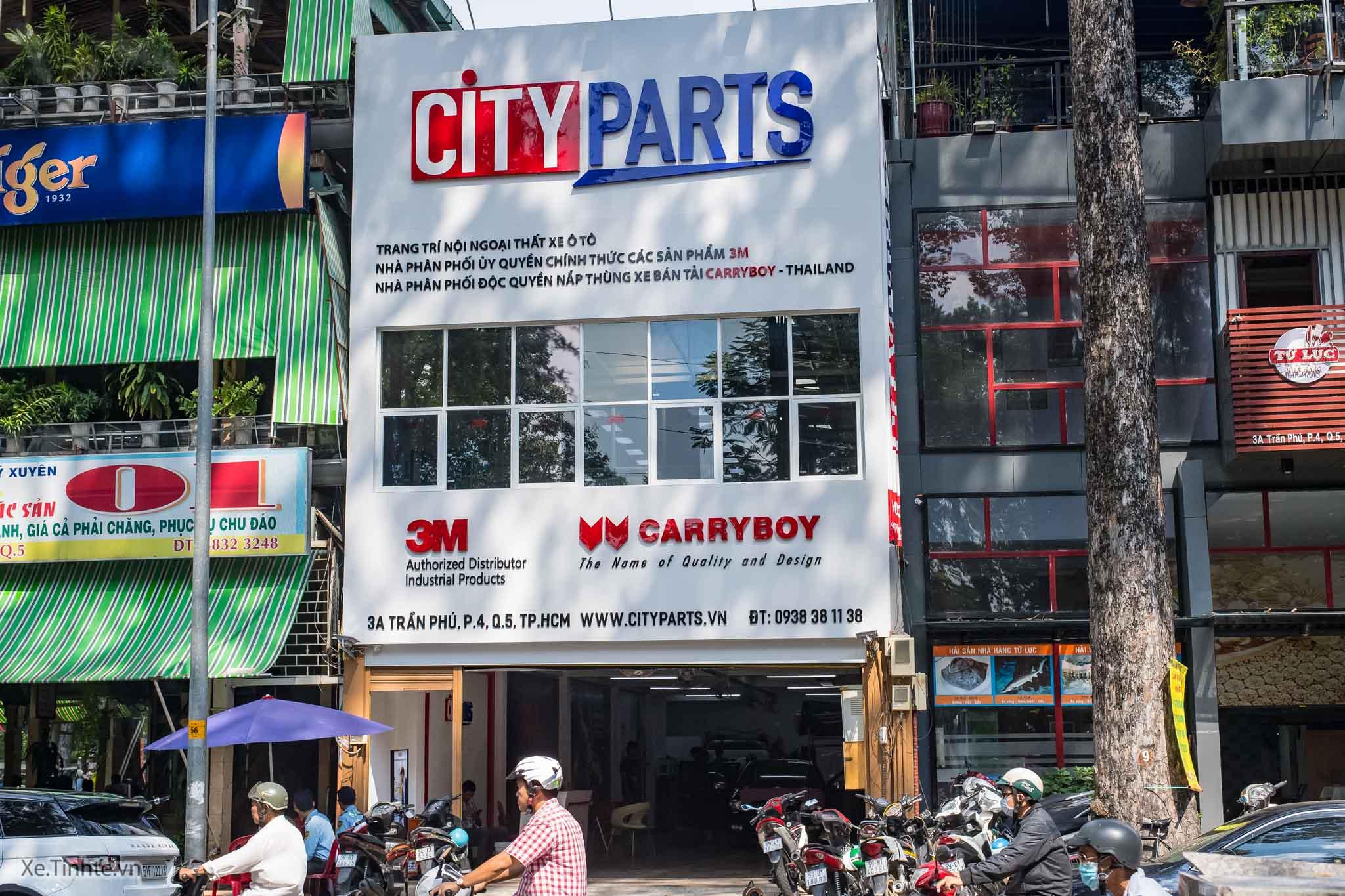 Các đại lý ủy quyền của 3M Việt Nam đều có hình ảnh nhận diện theo tiêu chuẩn như bảng hiệu với logo 3M lớn ở bên ngoài và các tranh treo tường có hình ảnh sản phẩm Crystalline và Color Stable phía trong. Ngoài ra, đại lý ủy quyền còn được 3M cấp một số chứng nhận như Chứng nhận đại lý ủy quyền, Chứng nhận kỹ thuật viên đạt chuẩn 3M.