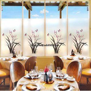 In tranh kính nghệ thuật cho nhà hàng