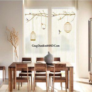 Phòng ăn sử dụng tranh dán cửa kính đơn giản và đẹp mắt