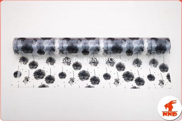 Giấy dán kính trang trí mã A45 là mẫu giấy dán kính hình bông bồ công anh màu đen vô cùng tinh tế và sang trọng