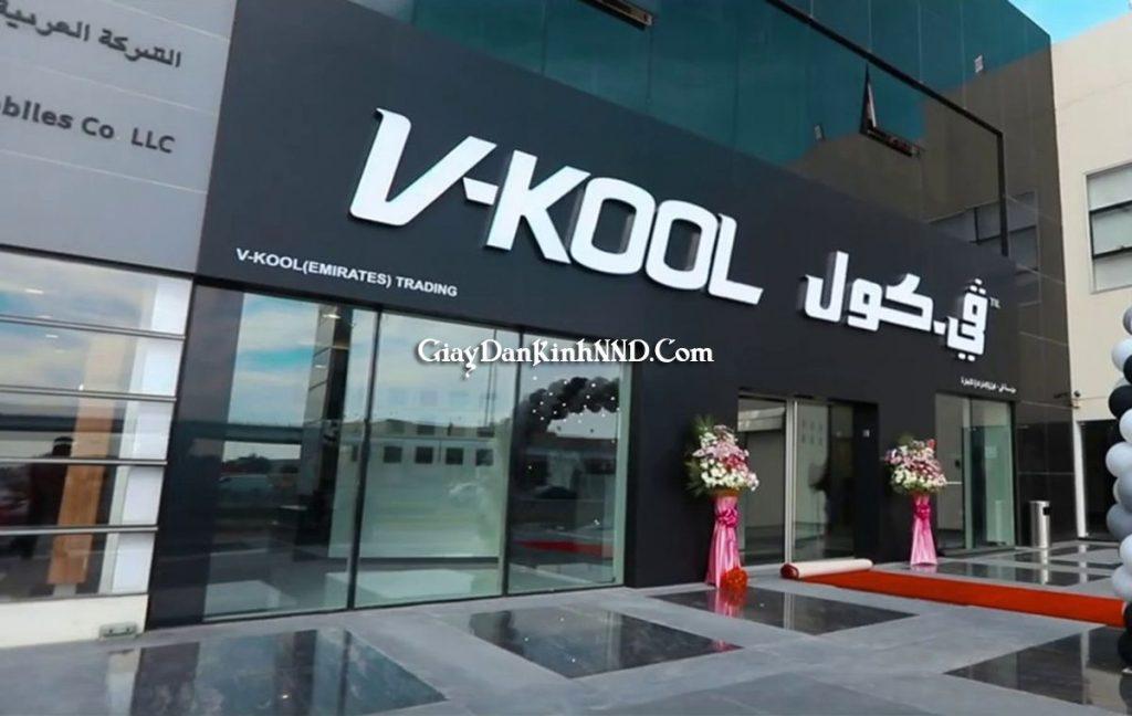 Được mệnh danh là một trong những thương hiệu cha đẻ của phim cách nhiệt. VKOOL là dòng phim đầu tiên trên thế giới có mặt tại Việt Nam. Được công ty Eastman (Hoa Kì) sản xuất từ năm 1966.