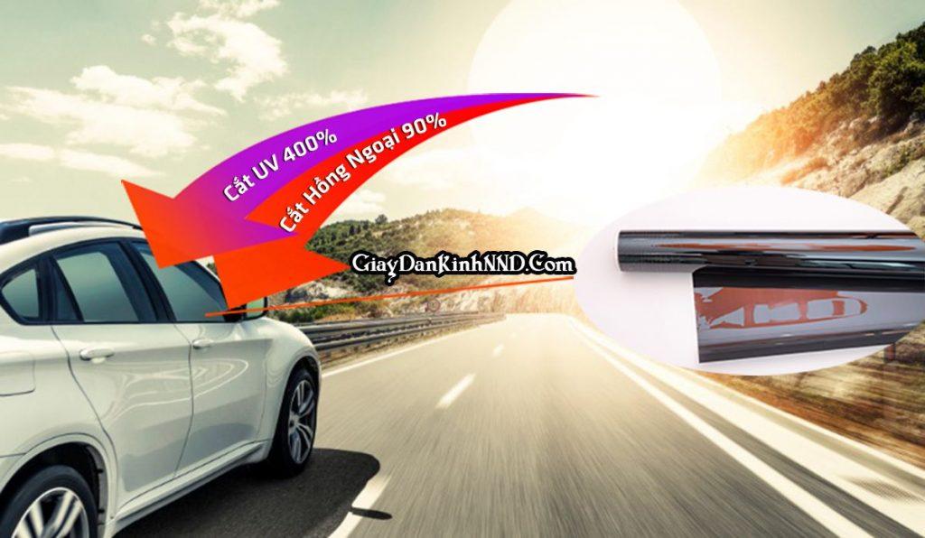 Phim cách nhiệt giành cho xe ô tô là một loại miếng dán kính dạng phim. Được trang bị hệ thống công nghệ hiện đại, tiên tiến. Khi dán lên có tác dụng chính là cách nhiệt với môi trường bên ngoài. Không làm môi trường bên trong xe nóng lên. Từ đó giúp xe mát hơn.