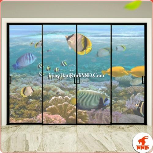 Tranh dán kính cảnh biển vô cùng bắt mắt trang trí cho phòng ngủ hiện đại