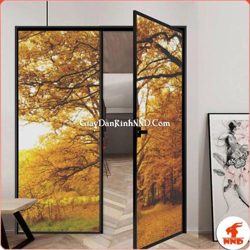 Cửa kính 2 cánh dán tranh phong cảnh mùa thu