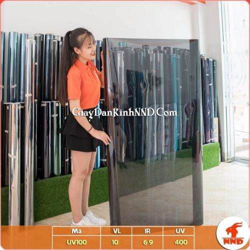 UV100 là mẫu phim cách nhiệt màu tối có phản quang thuộc nhóm UV400 Total Care. Phim cách nhiệt UV 100 là mẫu phim đứng top 1 và được ưa chuộng nhất tại Việt Nam hiện nay