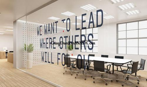 Cắt chữ decal dán vách kính phòng họp cho văn phòng